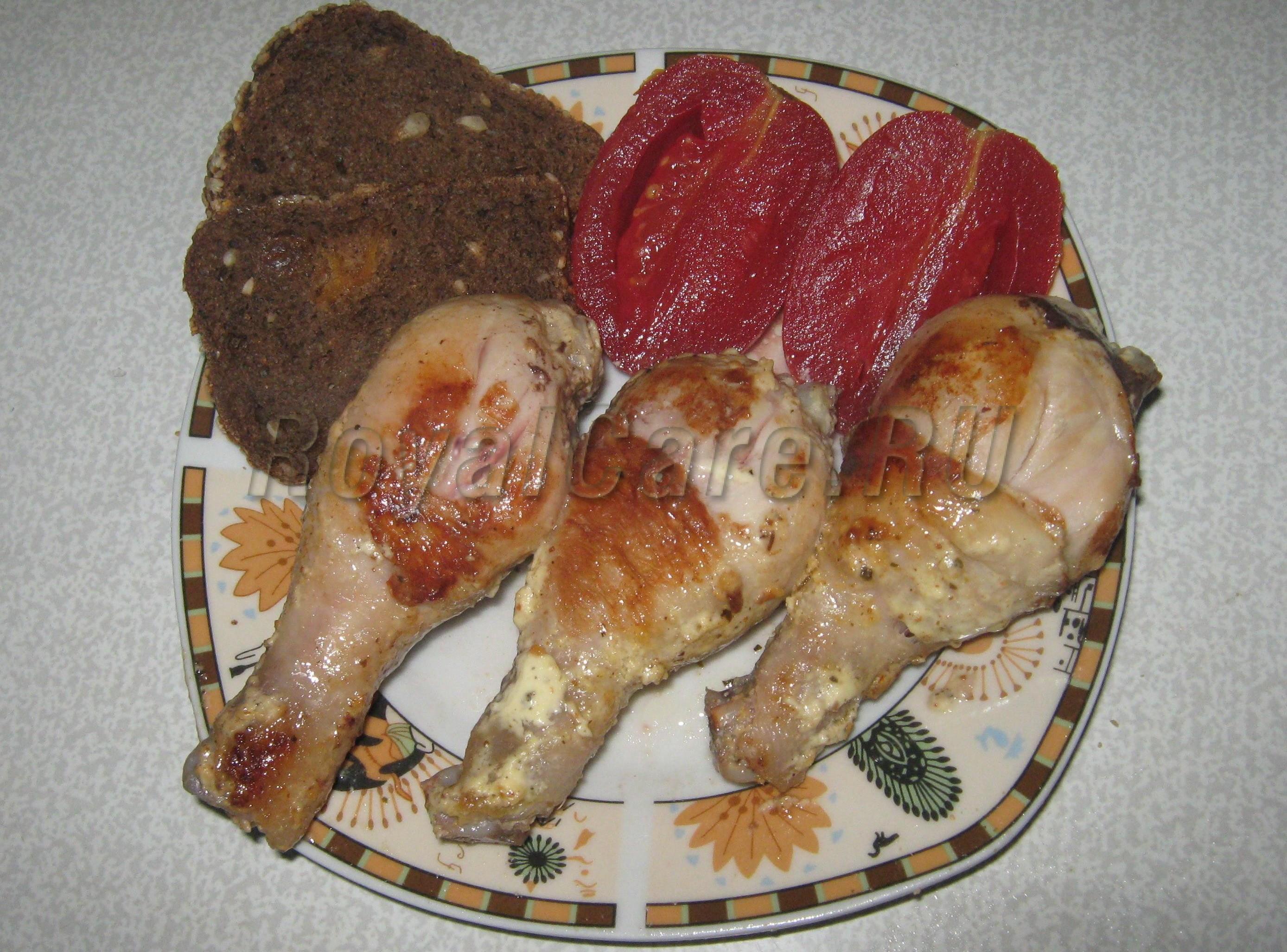 жареные куриные ножки в сметане на сковороде