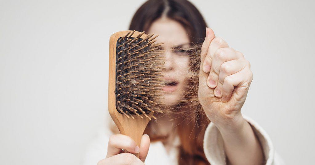 Причины выпадения волос и их плохого роста